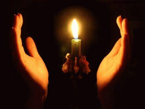 белый приворот на церковных свечах